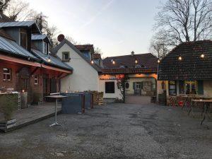 Nikolaushof- Eingangsbereich