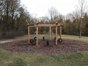 Spielplatz Frankenwarte - Reifenschaukel
