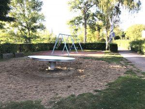 Veitshöchheim - Spielplatz Schaukeln und Drehteller